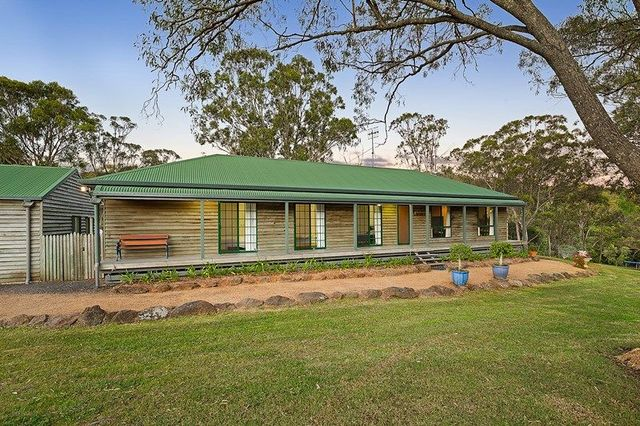 33 Box Tree Court, Mount Rascal QLD 4350