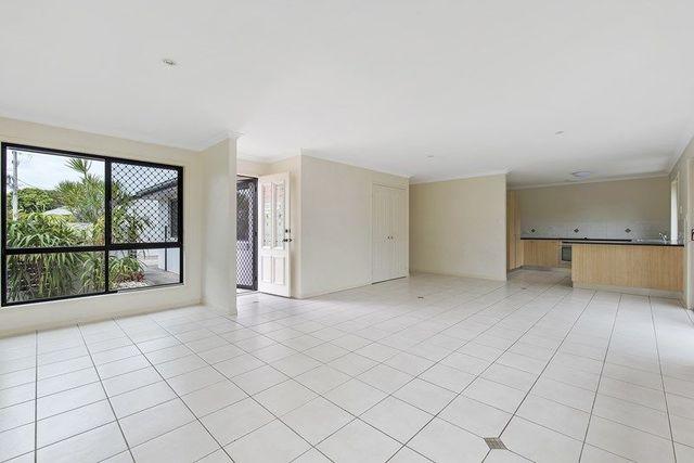 2/11 Nicholls Street, Caloundra QLD 4551