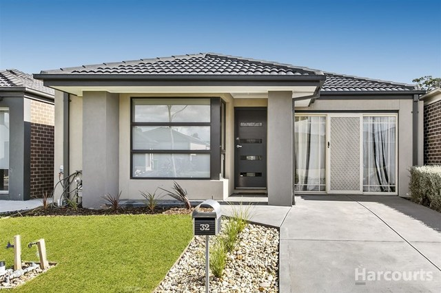 32 Bimberry Circuit, Clyde VIC 3978