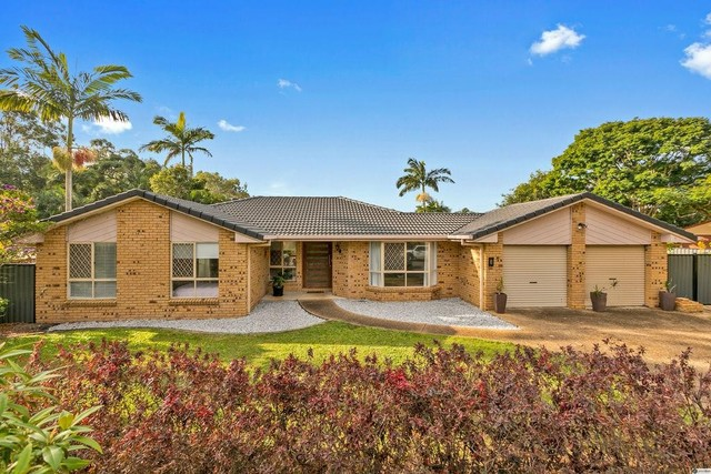 8 Spurs Drive, Wellington Point QLD 4160