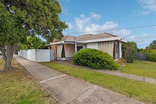 16 Heather Avenue, VIC 3044