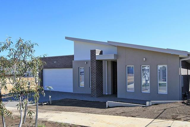 5 Five Mile Way, Woodend VIC 3442