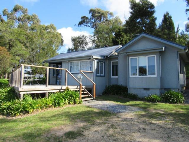 5 Kemps Parade, Beauty Point TAS 7270