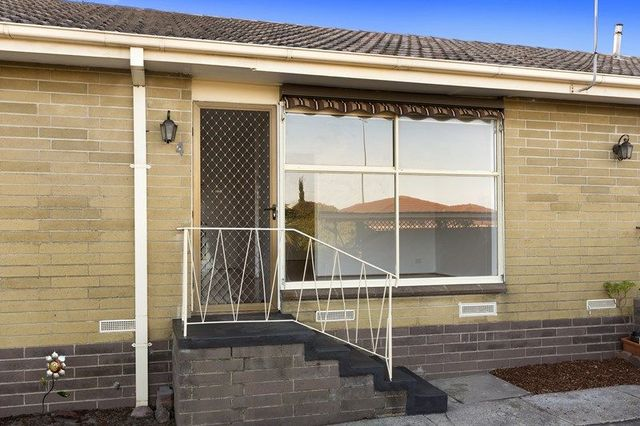 4/2 Woods Avenue, Mordialloc VIC 3195