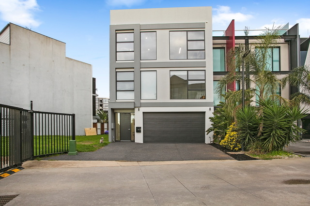32 Pier One Drive, VIC 3197