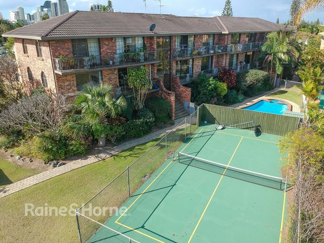 2/14 Duet Drive, Mermaid Waters QLD 4218