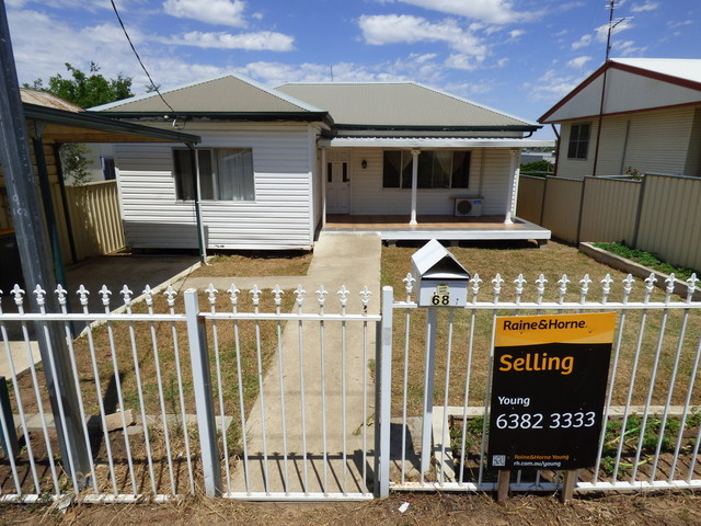68 Brock, Young NSW 2594