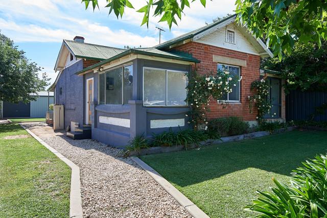 7 Roma Street, NSW 2650