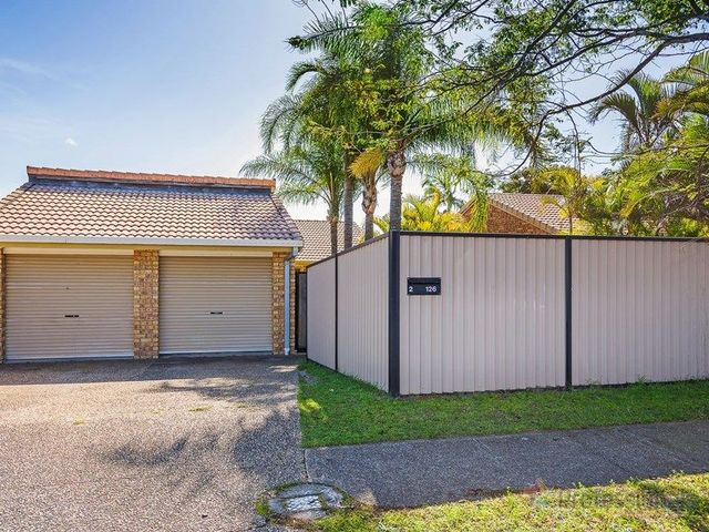 2/126 Oxley Drive, Paradise Point QLD 4216