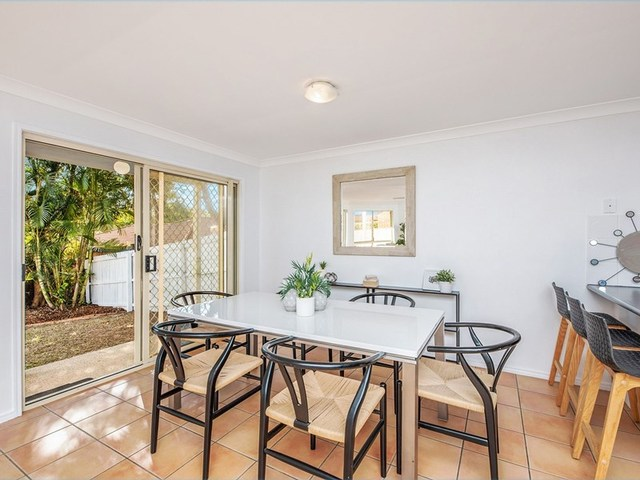 8 Pintail Cr, Forest Lake QLD 4078
