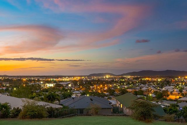 4 Kallanda Street, Mount Louisa QLD 4814