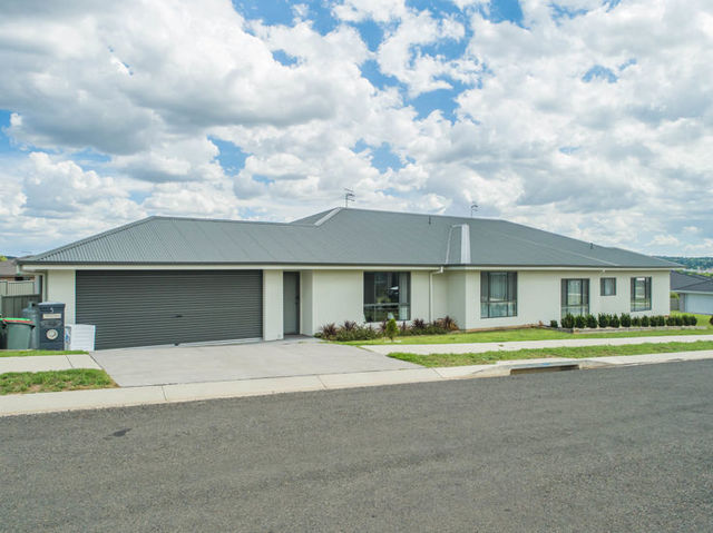5 Peterson Drive, NSW 2350