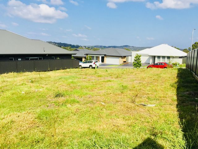 5 Windross Drive, Warners Bay NSW 2282