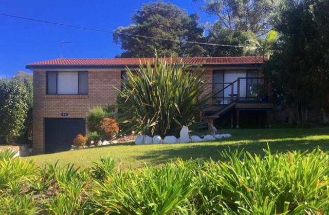 55 Carroll Avenue, Mollymook NSW 2539