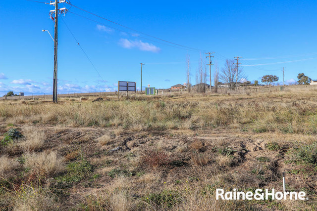 1 Campbell Close, NSW 2795