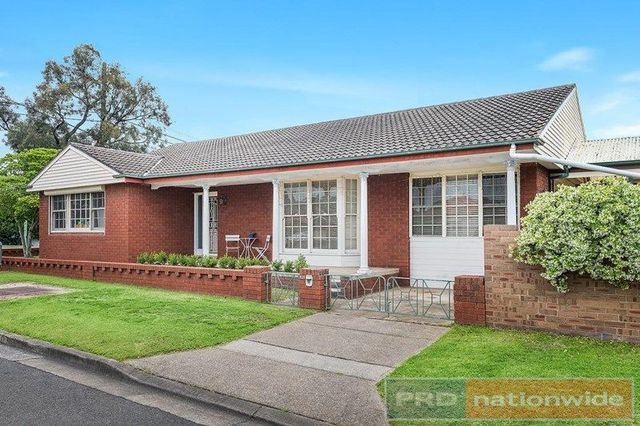 821 Henry Lawson Drive, NSW 2213