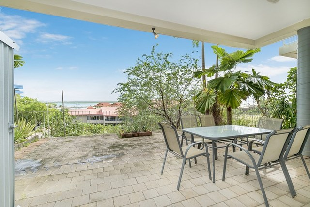 2/18 Harry Chan Avenue, Darwin NT 0800