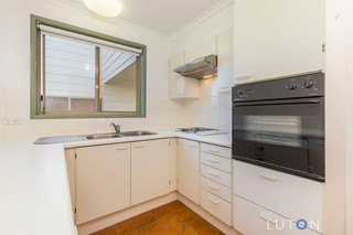 3/53 Derrington Crescent