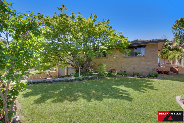 4 Rowell Place, Weston ACT 2611