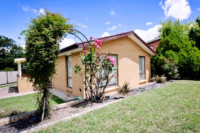 11 Griffith Place, ACT 2902