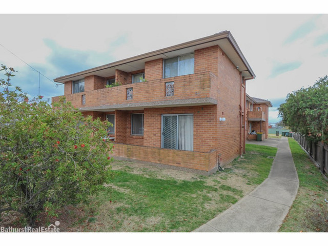 4/67 Piper Street, Bathurst NSW 2795