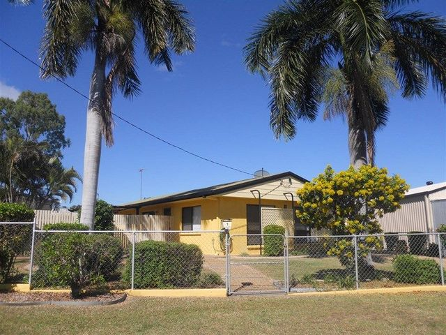 1 Charles Crescent, Gracemere QLD 4702