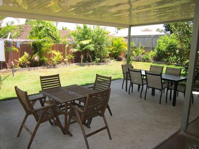 5 Pozieres Crescent, Aroona QLD 4551
