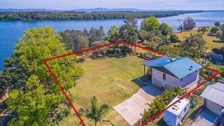2 Yamba Street Palmers Island NSW 2463