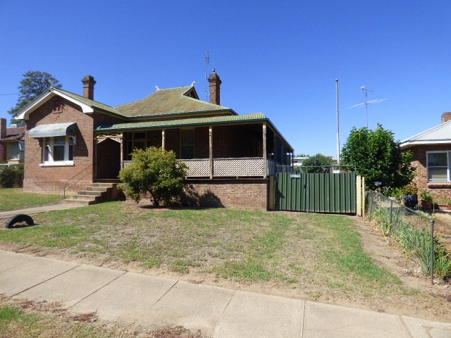 216 Albury Street, Murrumburrah NSW 2587