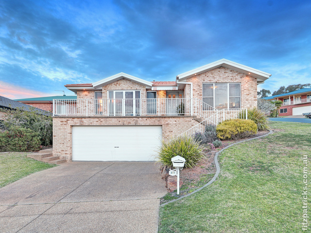 2/1 Tarandi Place, Bourkelands NSW 2650