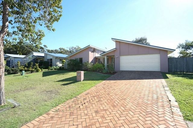 20 Karora Rd, Beachmere QLD 4510