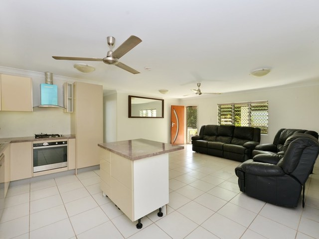 115 Sydney Street, Bayview Heights QLD 4868