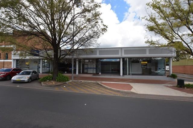 211 Peisley Street, Orange NSW 2800
