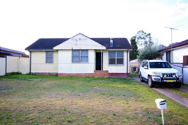 43 Hillview Pde, Lurnea NSW 2170