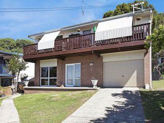 12 Maitland Avenue Sunshine NSW 2264