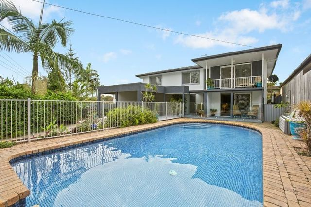 7 Arthur Street, Biggera Waters QLD 4216