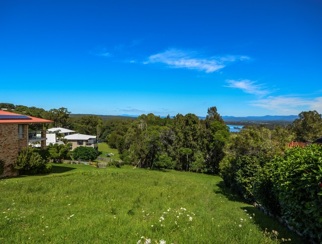 9 Viewpoint Court, Tuross Head NSW 2537
