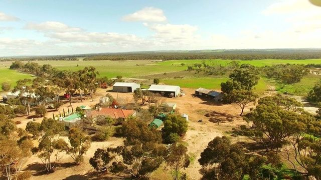 209 Cemetery Road, Toolibin WA 6312