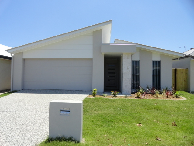 Room A/6 Flame Tree Avenue, Sippy Downs QLD 4556