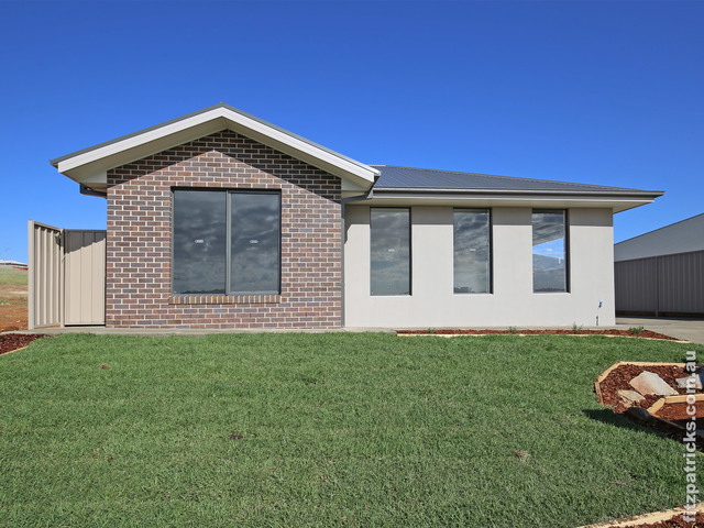 3/10 Waterhouse Avenue, NSW 2650