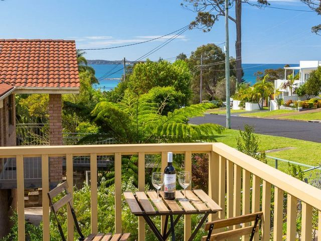 27 Ocean Avenue, Surf Beach NSW 2536