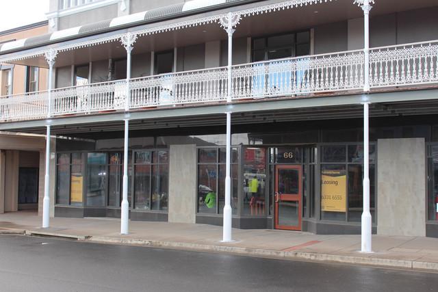 64 George St, Bathurst NSW 2795