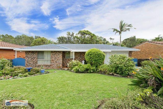 9 Fiona Crescent, Lake Cathie NSW 2445