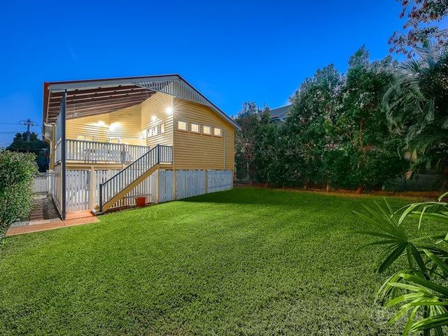 97 Broughton Road, Kedron QLD 4031