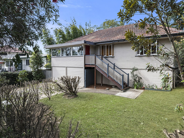 134 Bapaume Road, Holland Park West QLD 4121