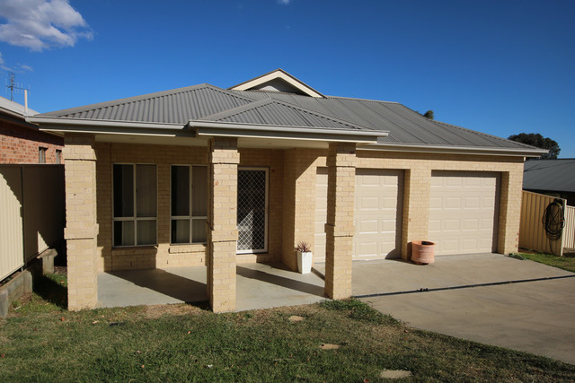10 Jarrah Court, Kelso NSW 2795