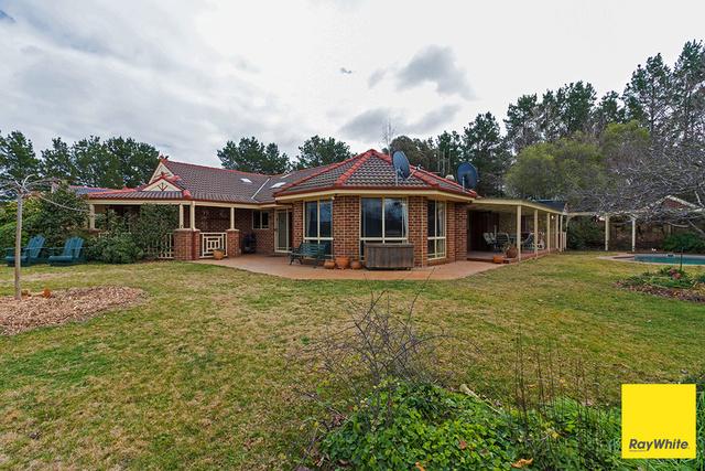 5 Woolshed Lane, Bywong NSW 2621