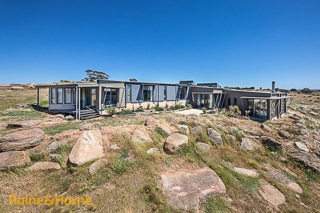 105 Loemans Road, Bulla VIC 3428