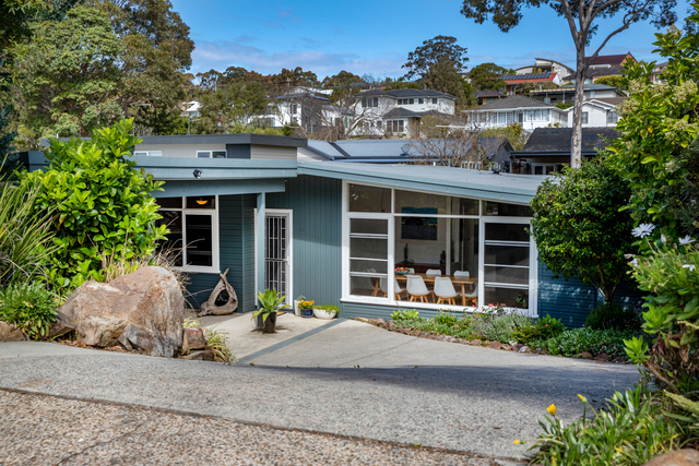 33 Sun Hill Drive, Merewether Heights NSW 2291