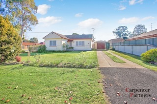 9 Thirlmere Way Tahmoor NSW 2573